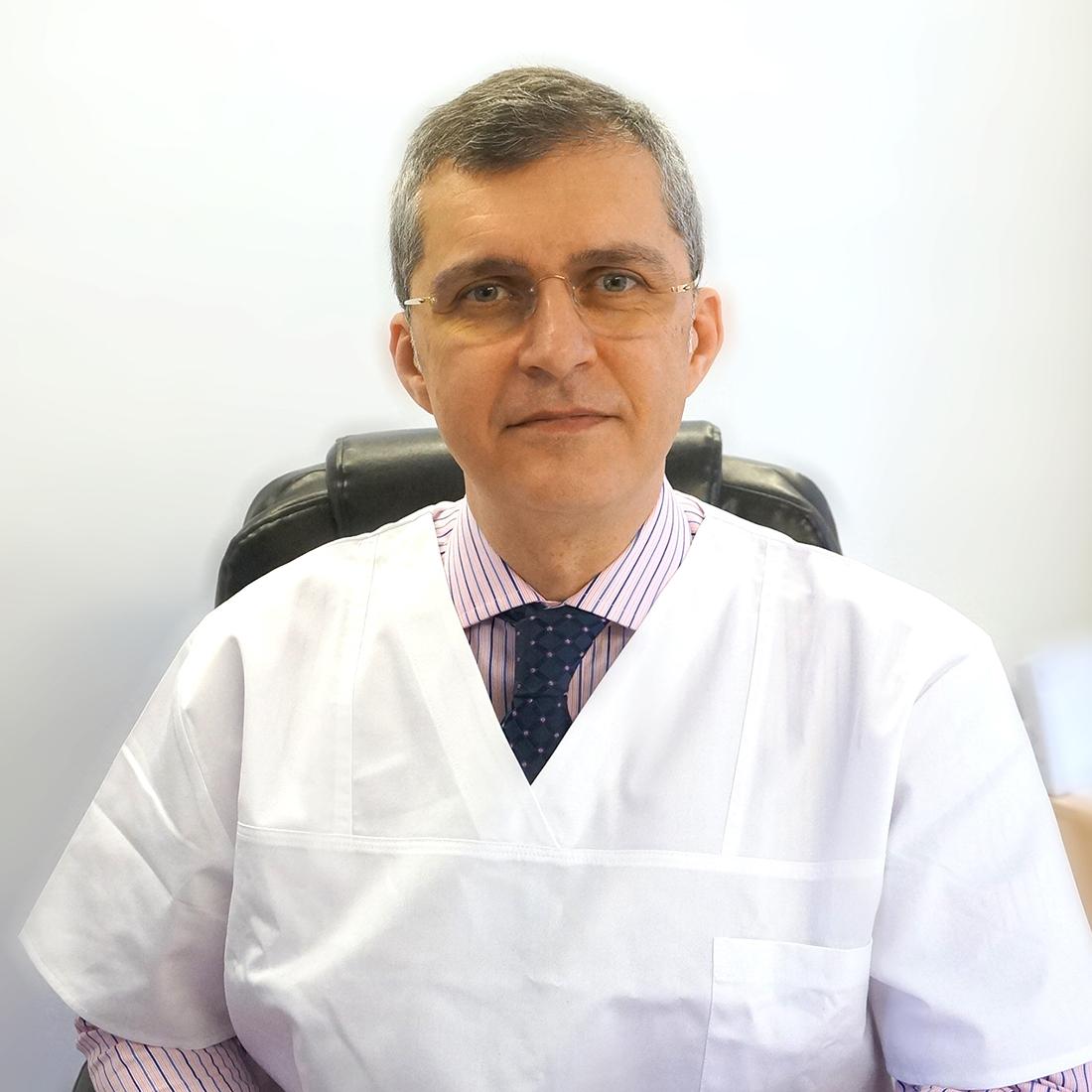 DR. ANDREI PANUS, MEDIC PRIMAR, DOCTOR IN MEDICINA